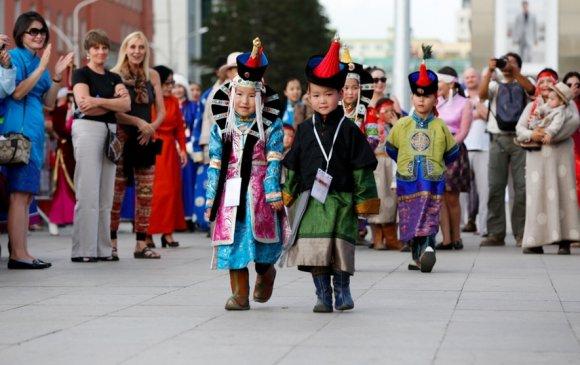 """""""Дээлтэй Монгол наадам"""" энэ сарын 10-нд Сүхбаатарын талбайд болно"""