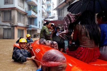 """""""Үхлийн бороо""""-ны улмаас барьц алдаж буй Азиуд"""