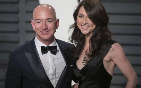 Жефф Безос салсан эхнэртээ Амазоны 4 хувийг өгчээ