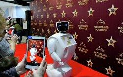 Оросын ахмадууд роботыг илүүд үзэж байна
