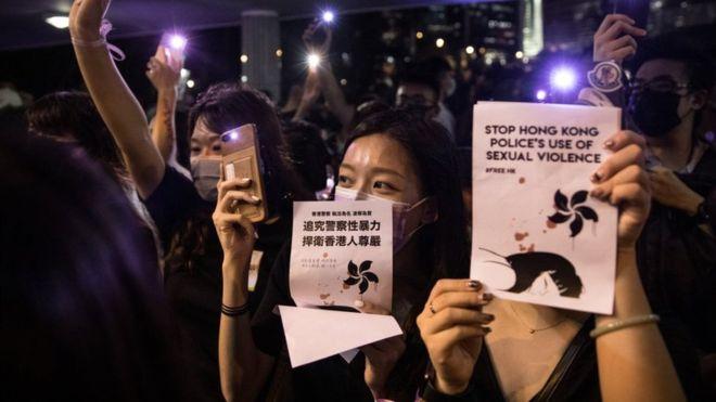 Хонконгийн жагсагчид #MeToo хөдөлгөөнийхөнтэй нэгдэв