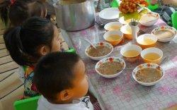 Цэцэрлэгийн хүүхдийн хоолны мөнгийг эцэг, эхээр төлүүлье