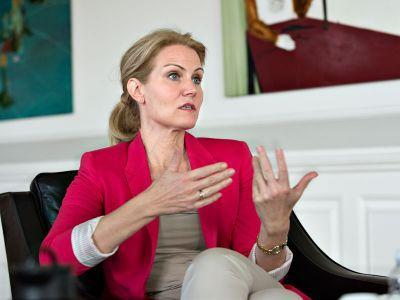 Данийн Ерөнхий сайд Фредериксен: АНУ-д Грийнландыг худалдахгүй