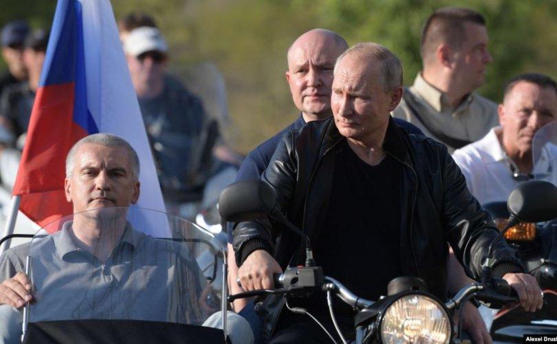 Украины зөвшөөрөлгүй Крымд зочиллоо гэж Путиныг шүүмжлэв