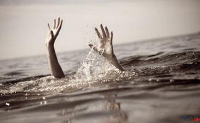 Цагдаагийн алба хаагчид голд живж байсан иргэнийг аварчээ