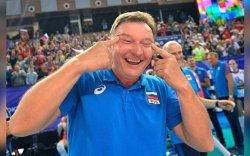 Оросын дасгалжуулагч Азичуудыг гадаад төрхөөр нь доромжилжээ