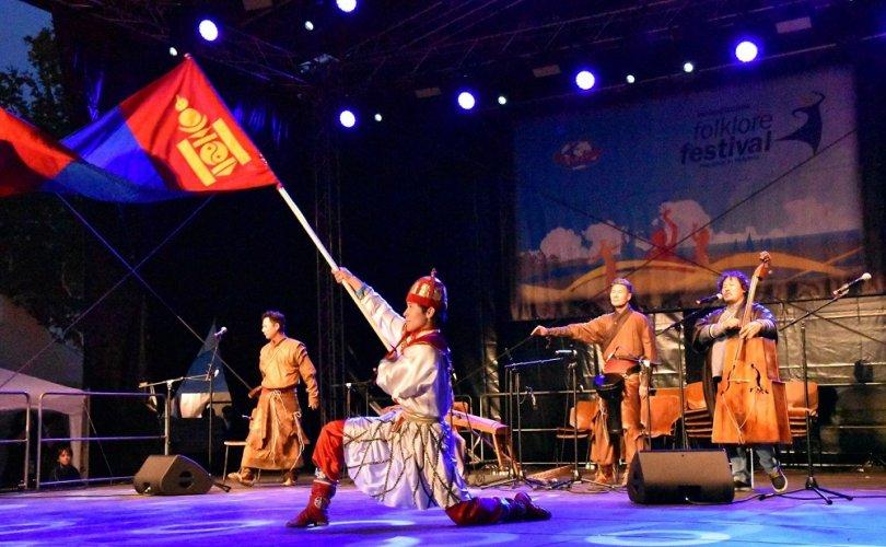 Манай уран бүтээлчид Монгол өв соёл, язгуур урлагаа амжилттай сурталчлаад ирлээ
