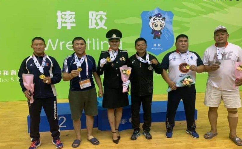 Дэлхийн спортын наадмаас хоёр алтан медаль хүртлээ