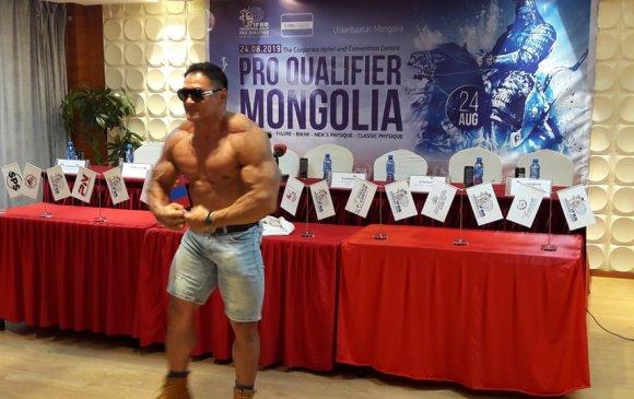 Бодибилдингийн мэргэжлийн тамирчны эрх олгох тэмцээн Монголд болно