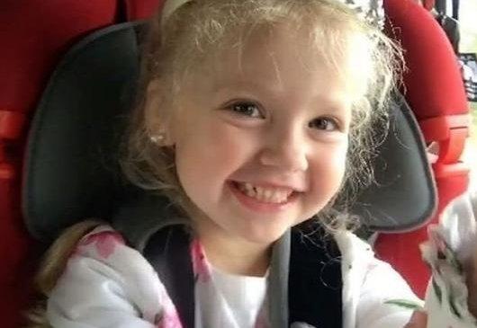 Алла Пугачёва охиныхоо зургийг олон нийтэд үзүүлжээ