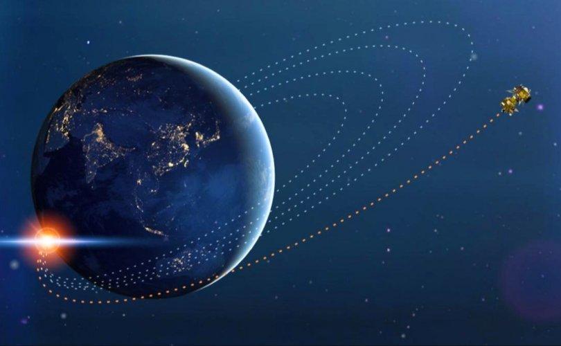 Энэтхэгийн сар судлах төхөөрөмж сарны тойрог замд оржээ