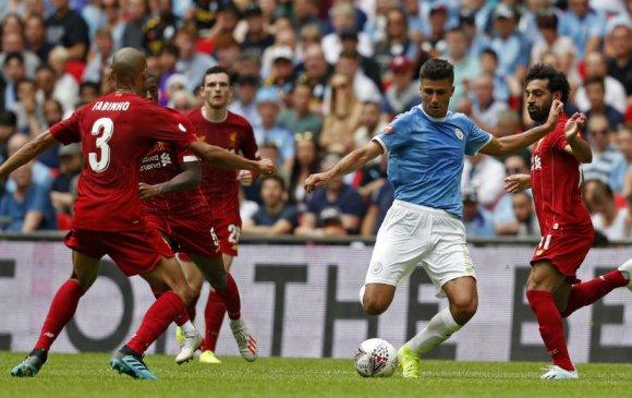 Манчестер Сити Английн супер цомыг хүртлээ