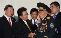 """Д.Гунгаа """"Монгол Улсын Баатар"""" цол хүртэв /2009.08.24/"""