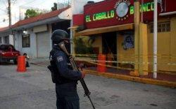 Мексикийн бааранд халдлага үйлдсэний улмаас 25 хүн амиа алджээ