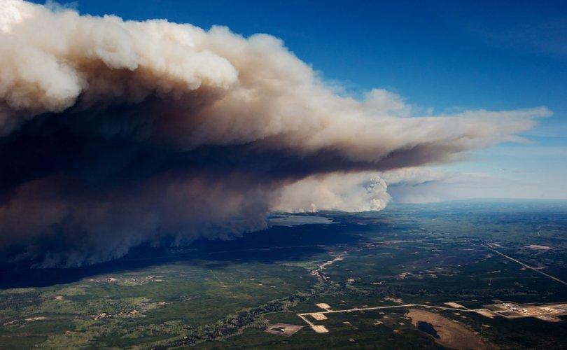 smoke-canada-summer-1504722820-810x500 Түймрийн утаа эрүүл мэндэд сөргөөр нөлөөлдөг