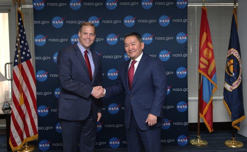 """""""НАСА""""-гийн дарга Ж.Брайданстан Ерөнхийлөгч Х.Баттулгад бараалхав"""