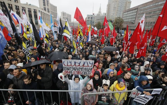 Орост эсэргүүцлийн жагсаал улам өргөжиж байна