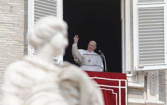 Ромын пап цахилгаан шатанд гацжээ