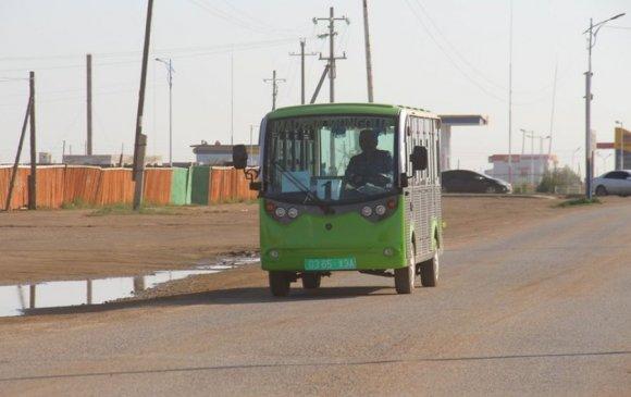Чингис хотын иргэд эко автобусаар зорчиж байна