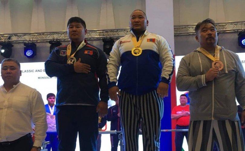 Азийн аварга шалгаруулах тэмцээнээс мөнгөн медаль хүртэв