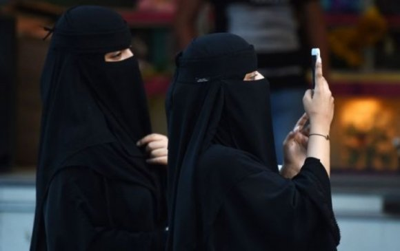 Саудын Араб анх удаа жуулчны виз олгож эхлэв