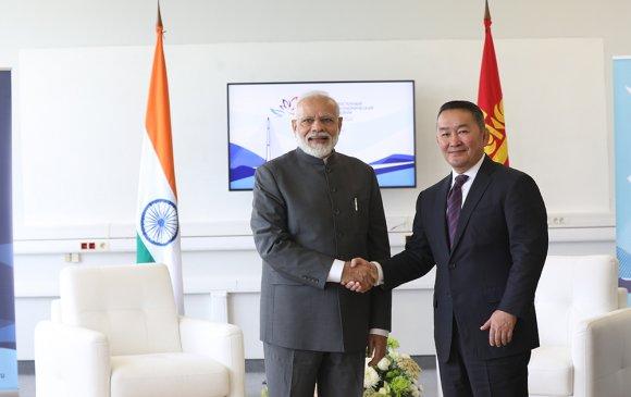 Ерөнхийлөгч Х.Баттулга Нарендра Модитой уулзлаа