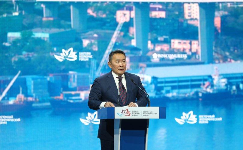 Ерөнхийлөгч Дорнын эдийн засгийн чуулганы өргөтгөсөн хуралдаанд оролцож үг хэллээ