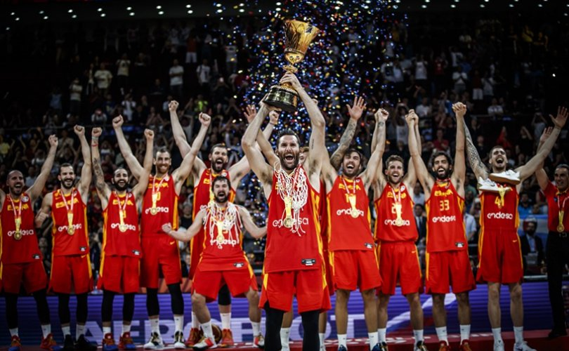 Испаний шигшээ баг дэлхийн аваргаар шалгарлаа