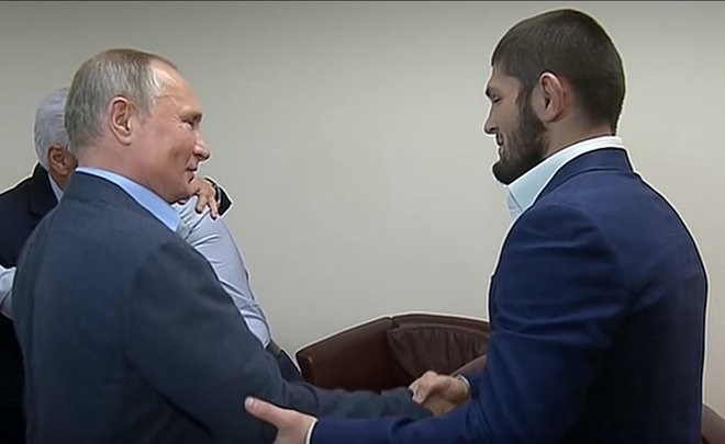 Путин Нурмагомедовыг магтжээ