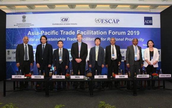 Ази, Номхон далайн орнуудын худалдаа хөнгөвчлөх форумд оролцож байна