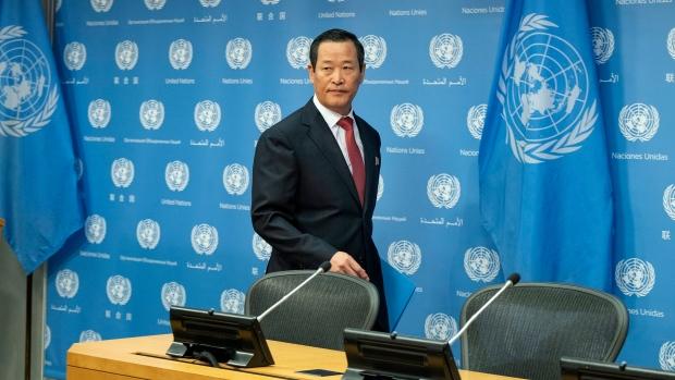 Хойд Солонгос дахь НҮБ-ын ажилчдыг цомхотгохыг хүсэв