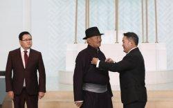 Ялалт музейн захирал Л.Мягмарсүрэнд Монгол Улсын Гавьяат цол хүртээв