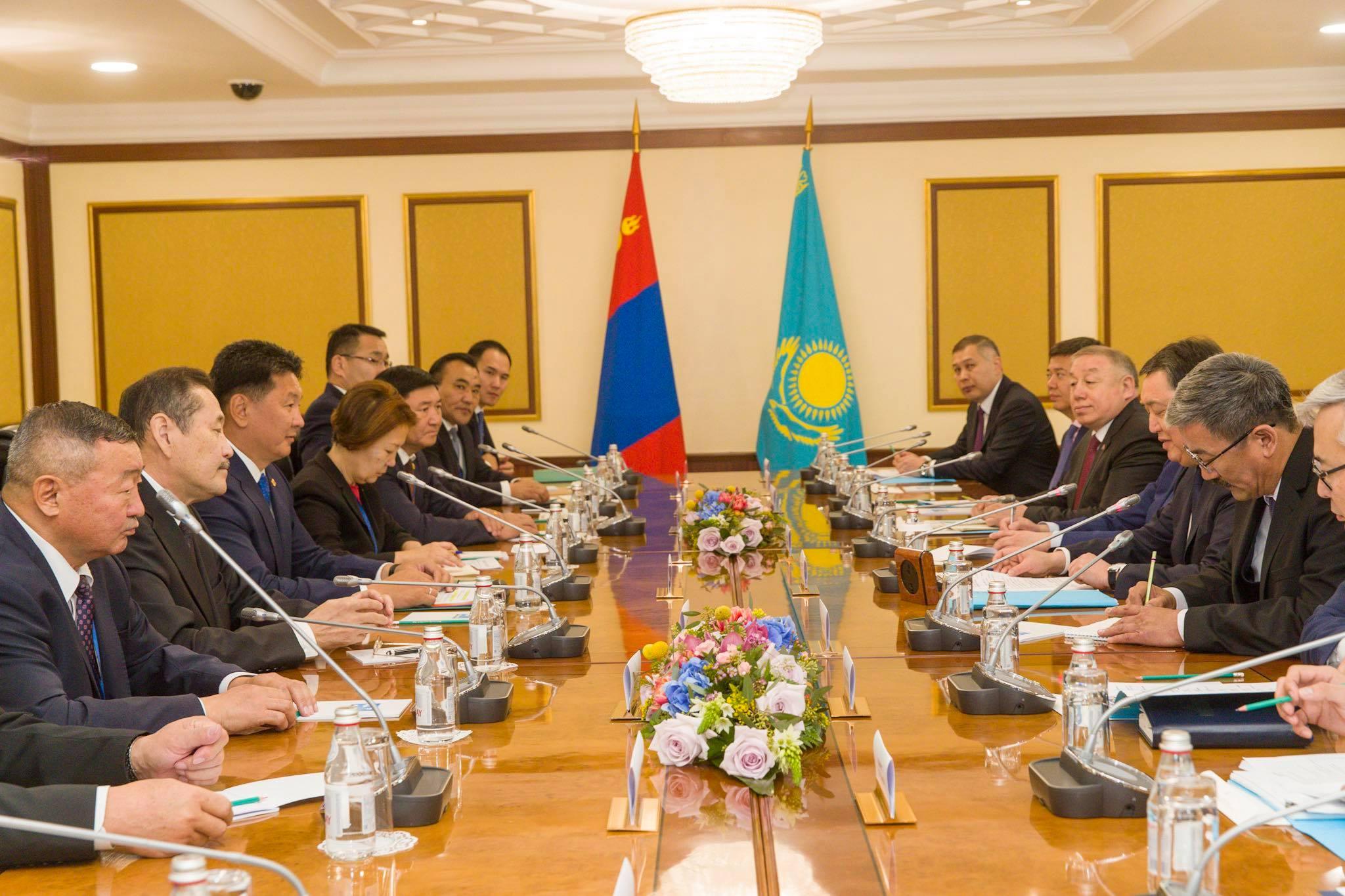 У.Хүрэлсүх Казахстан (4)