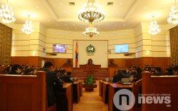 Б.Баттөмөр: Монголд баялгийн менежмент маш буруу явж ирлээ