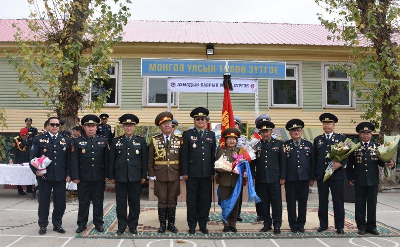 Дотоодын цэргийн анги, байгууллага ахмад ажилтнууддаа хүндэтгэл үзүүллээ