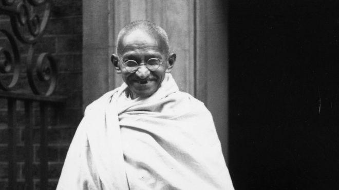Махатма Гандийн чандрыг хулгайлжээ