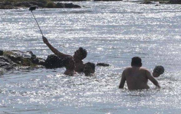 Голын усанд сельфи хийж байгаад живж амиа алджээ