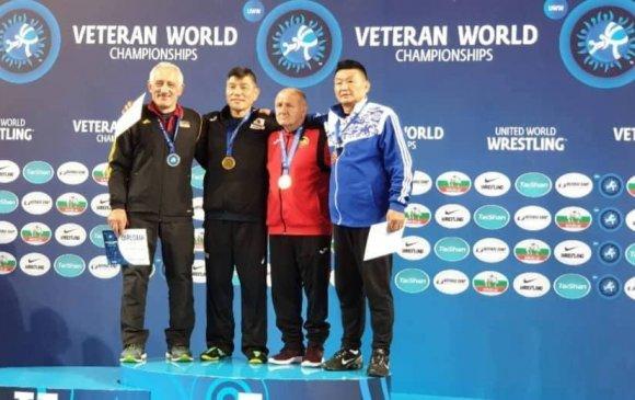 Мастерууд ДАШТ-ээс дөрвөн хүрэл медаль хүртэв