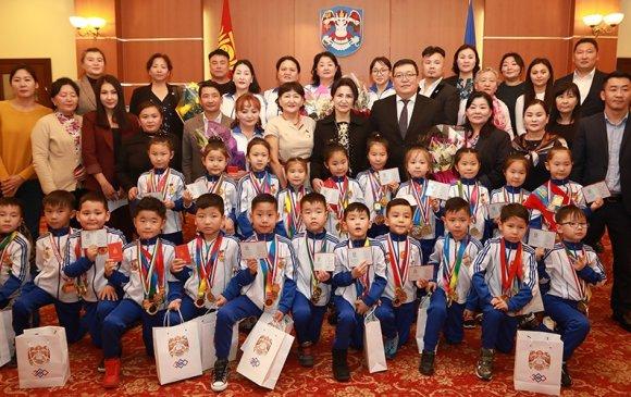 Олон улсын гимнастикийн тэмцээнд 48 дугаар цэцэрлэгийн баг тэргүүлжээ