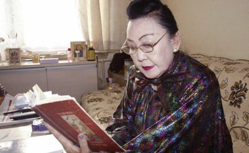 """АУЗ Ш.Дулмаагийн шүлгээр """"Тэнгэрлэг монгол бүсгүйчүүд"""" дуу бүтээжээ"""