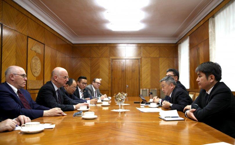 АНУ-ын Худалдааны яамны Хятад, Монголыг хариуцсан дэд сайдын орлогч Алан Төрлиг хүлээн авч уулзлаа