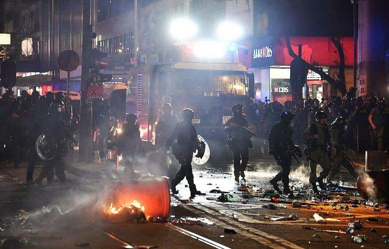 Хонгконгийн эсэргүүцэл бослого болж хувирав