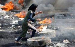 Ирак улсад өрнөж буй бослогод 100 орчим хүн амь үрэгджээ