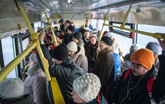 Оросуудын 30 хувь нь нийтийн тээврээр үйлчлүүлдэг