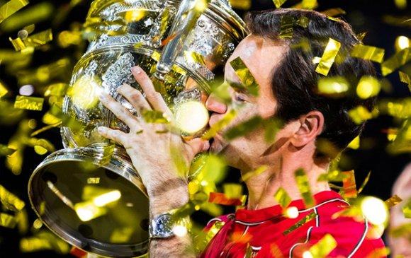 """Швейцарийн Р.Федерер """"гэр""""-тээ 10 дахь цомоо өргөв"""