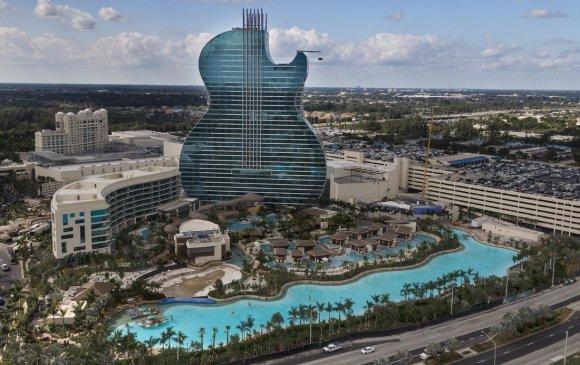 Дэлхийн анхны гитаран хэлбэртэй зочид буудал нээлтээ хийжээ