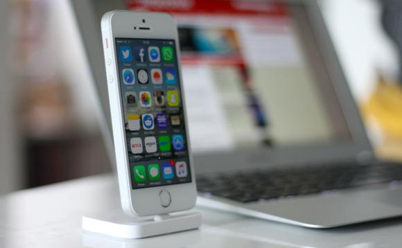 Apple хямдхан iPhone танилцуулахаар төлөвлөж байна