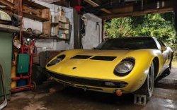 """Гаражид мартагдсан """"Lamborghini Miura"""" 1.5 сая доллар хүрчээ"""