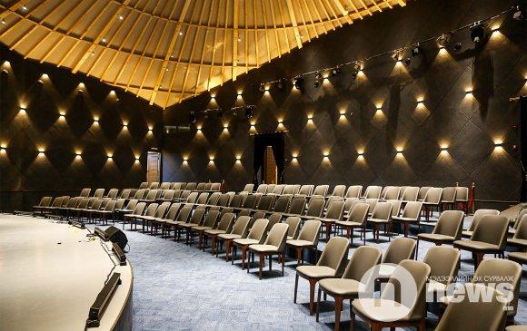 Монголын хамгийн том гэр театртай танилц