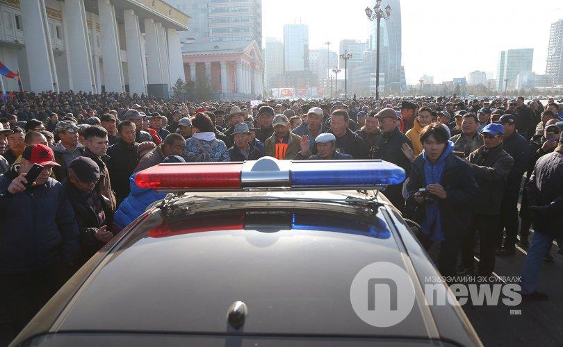 """""""Монголын Үндэсний фронт"""" хөдөлгөөнийхөн жагссан ч тарлаа"""